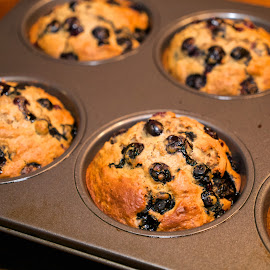Blueberry Bran.. by Alan Roseman - Food & Drink Cooking & Baking ( muffins, blueberry, oven fresh, fresh, food, breakfast, comfort food,  )