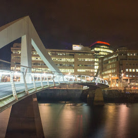 Bridge over the Clyde  by Dave Dodge - Novices Only Street & Candid (  )