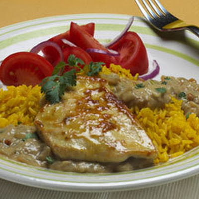 Chicken With Peanut Tomatillo Sauce