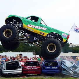 Monster Truck by Richard Lawes - Novices Only Sports
