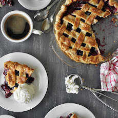 Cherry Pie w. Almond Crust