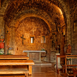 Peaceful contemplation in Assisi by Claus Dahm - Buildings & Architecture Places of Worship ( church, peace, st. francis, italy, assisi,  )