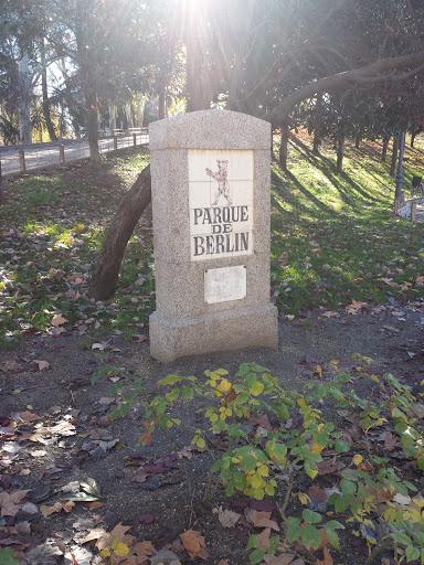 Entrada Al Parque De Berlín