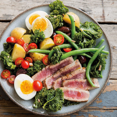 Warm Kale and Tuna Niçoise