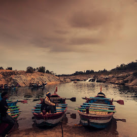 Boatmen by Swagat Siddhartha - Landscapes Travel ( wide angle, d90, travel, landscape )