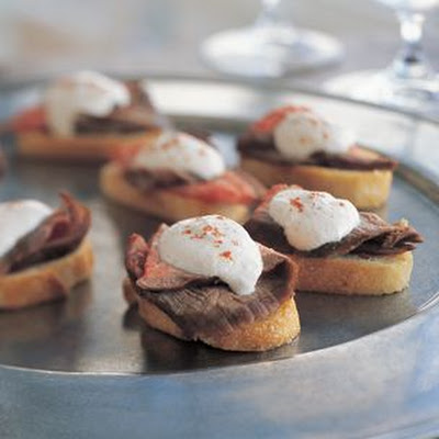 Crostini with Steak and Horseradish Cream