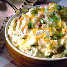 Carnation® Creamy Cheesy Mashed Potatoes