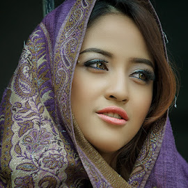 by Vaii Arpah - People Portraits of Women