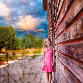 country girl by Tabi Melton - Babies & Children Child Portraits ( child, playing, farm, summer, fun, kid )