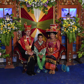 Karo Family by KyuHyun Thigan - People Family ( indonesia, family, karo, nort sumatra, traditional )