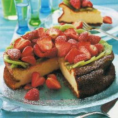 Kiwi Strawberry Cheesecake Tart