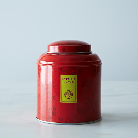 The des Songes in signature metal canister