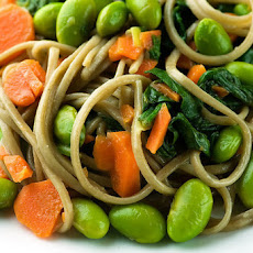 Soba Noodles with Edamame, Carrots and Spinach