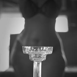 Stay Focused by Tamandro Williams - Nudes & Boudoir Boudoir ( boudoir, woman, glass, shape, bokeh, hips, curves )