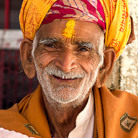 Pandit Ji by Amit Aggarwal - People Portraits of Men ( temple, hindu, priest, pandit ji, udaipur, rajasthan, india, jagdish mandir )