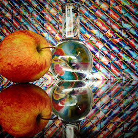 The apple of my eye by Janette Ho - Artistic Objects Still Life (  )