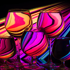 Disco Dancers by Rakesh Syal - Artistic Objects Glass