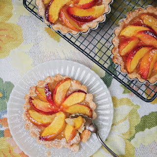 Amaretto Peach Tarts