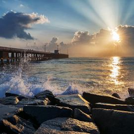 Sunrise at Pondicherry by Arun Siddharth - Landscapes Sunsets & Sunrises ( sea, india, sunrise, seascape, morning, landscape,  )