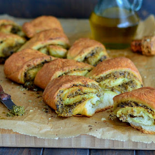 Mediterranean Flavored Stuffed Pull-Apart Bread Roll