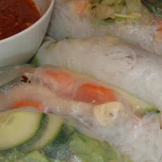 Pork and Shrimp Spring Roll (Goi Cuon) With Peanut Sauce (Nuoc L