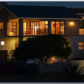 Artificial Lights by Jacques Prinsloo - Buildings & Architecture Homes ( lights, home, night photography, house, nightscape )