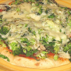 Pita Pizza, Spinach, Broccoli, Onion, and Mushroom