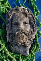 Tête colossale du dieu Sérapis, marbre, IIe siècle avant JC.