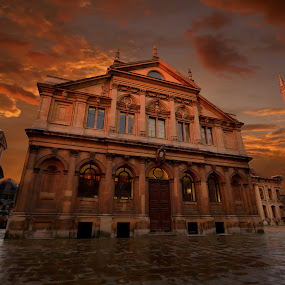 Oxford by night by Dorota Grolewska - Buildings & Architecture Public & Historical ( buildings, night, wet, oxford old town uk night, orange sky )