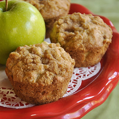 Apple Strudel Muffins}Muffin Monday
