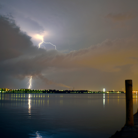 Intense by Alejandro Domingo - News & Events Weather & Storms