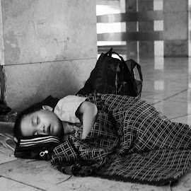 Sleeping Beauty by Achmad Iqbal Al-Haj - People Street & Candids