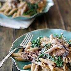 Pasta Alfredo with Broccoli and Mushrooms