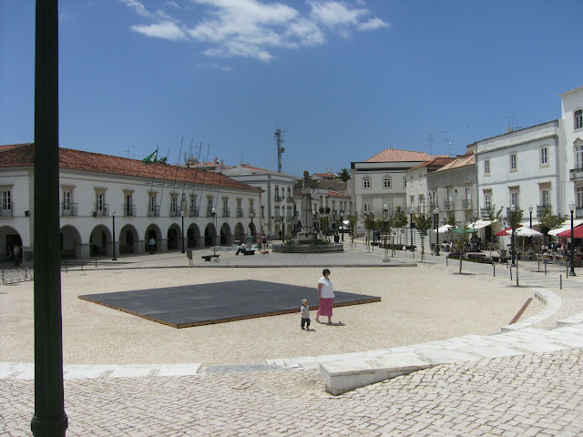 Praca Da Republica Tavira is all ready for the summer entertainment program