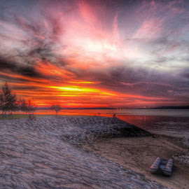 Sunset flame by Noor Azmi - Instagram & Mobile Android (  )