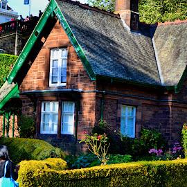 Cute little cottage by Nic Scott - Buildings & Architecture Homes ( edinburgh, princesstreetgardens, cottage )