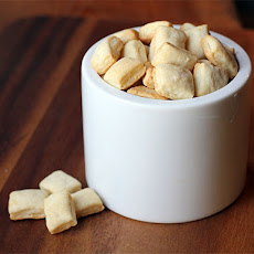 DIY Oyster Crackers