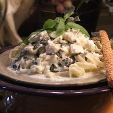 Tagliatelle With Garlic, Gorgonzola and Basil