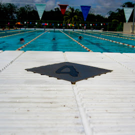 by Derrick Lee - Sports & Fitness Swimming