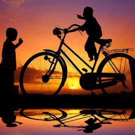 numpak pit by Indra Prihantoro - Babies & Children Children Candids ( sunset, children, bicycle )