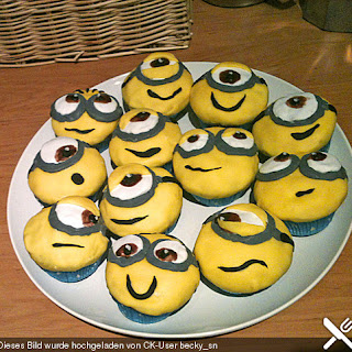 Minion Cupcakes mit Cream Cheese-Frosting