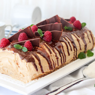 Cake Roulade with Rasperries