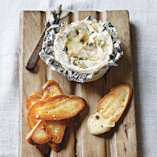 Baked Camembert with Thyme & Garlic