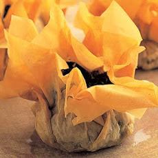 Cheesy Spinach Parcels