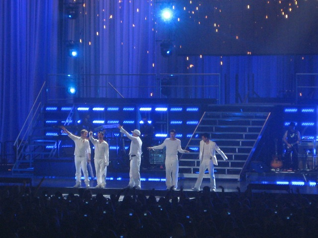 NKOTB Izod Center 049 - YES