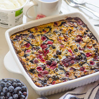 Berry Banana Quinoa and Steel Cut Oats Breakfast Bake