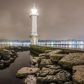 Geneva Lighthouse at night by Benjamin Tucker - Landscapes Travel ( europe, night photography, lighthouse, geneva, switzerland, nikon d810 )
