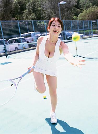 Aizawa Hitomi sexy idols