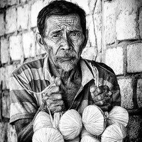 by Ruri Irawan - Black & White Portraits & People