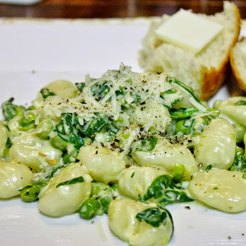 Gnocchi With Spinach And Peas In A Lemon Cream Sauce